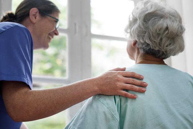La importancia del calor humano en las relaciones con nuestros mayores